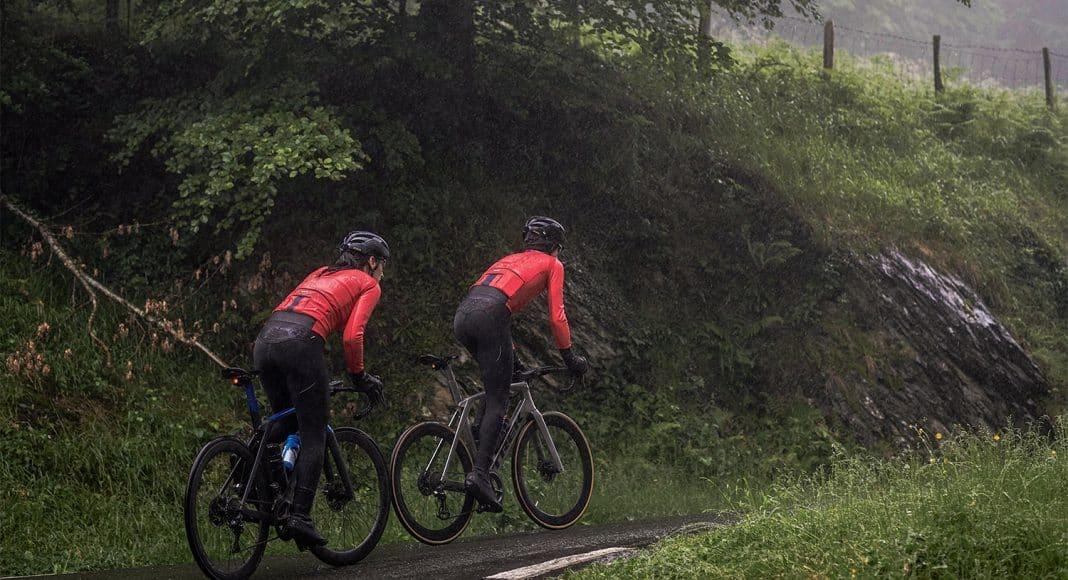 [Winactie] Maak kans op professionele Etxeondo fietskleding