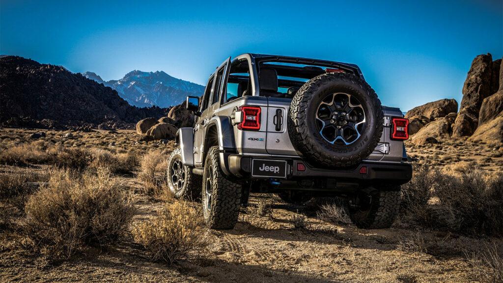 De Jeep Wrangler 4xe Plug-in Hybride Sahara is ongetwijfeld outdoorgeschikt
