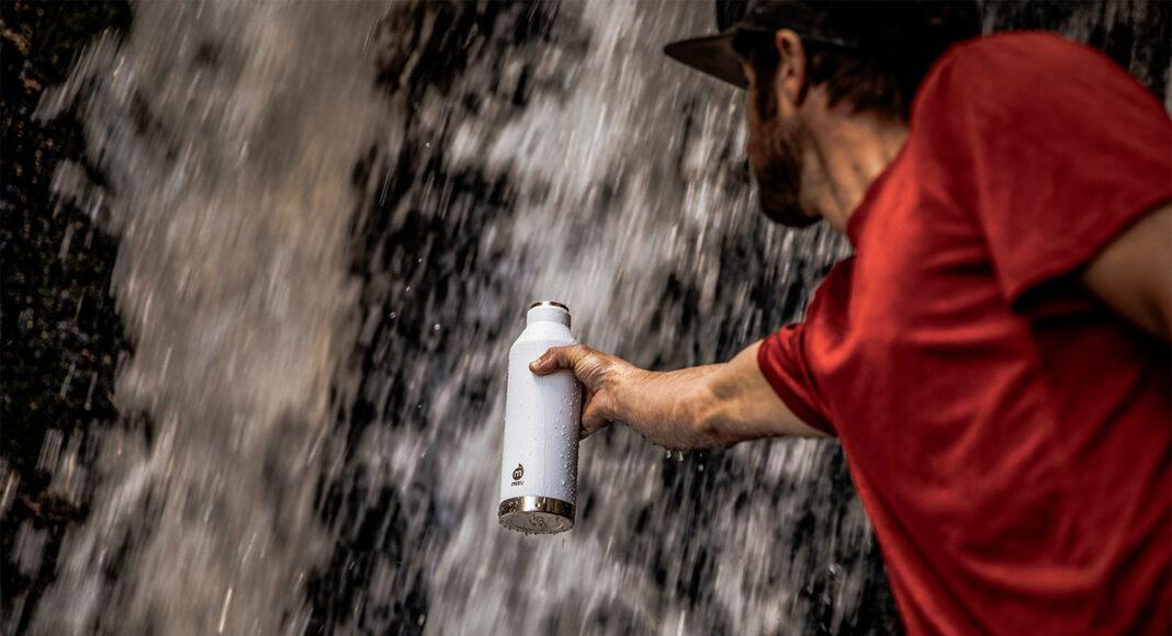 Waarom je eigenlijk alleen herbruikbare waterflessen zou moeten gebruiken